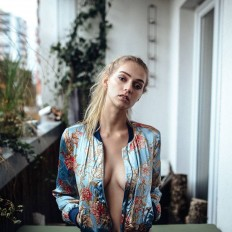 Gorgeous Female Portraits by Lennart Bader