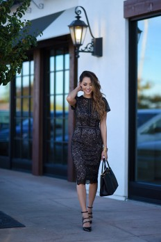 Jessica R. looks utterly elegant in this stunning... - Street Style & Fashion Tips