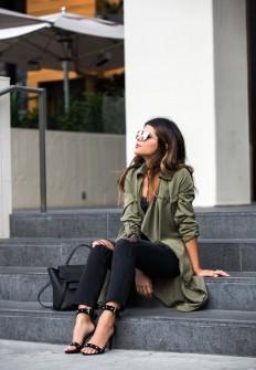 Pam Hetlingeris smart, elegant and feminine in... - Street Style & Fashion Tips