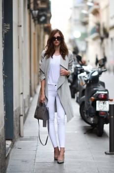 Barbora Ondrackovapairs white jeans with an... - Street Style & Fashion Tips