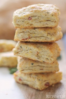 Bacon Rosemary Einkorn-Cornmeal Biscuits | #EinkornExperiment - All Roads Lead to the Kitchen