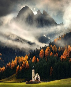 The Dolomites during an autumn afternoon on Inspirationde
