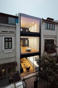 Staged Reinterpretation: Row House Renovation In Shanghai on Inspirationde