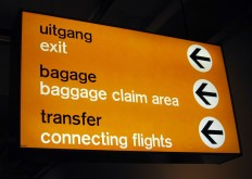 File:Schiphol signposting.jpg - Wikimedia Commons