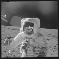 moon-2.jpg 1,000×1,000 pixels