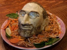 So very disturbing: Bring me Steve Jobs' (cheese) head on a plate