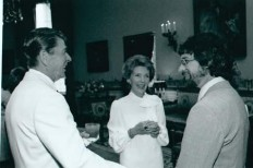 File:Ronald Reagan and Steven Spielberg 1.jpg - Wikipedia, the free encyclopedia