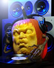 Ordinary Pumpkin Transforms Into Awesome DJ Sculpture - My Modern Metropolis