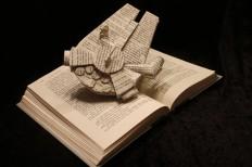 Millennium Falcon Book Sculpture von WetCanvasArt auf Etsy