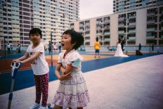 Hong Kong Snapshots: Incredible Urban Photography by André Josselin