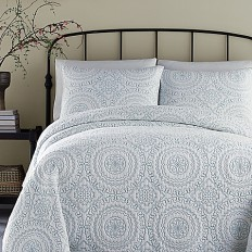 Jessica Simpson Medallion Coverlet - Bed Bath & Beyond