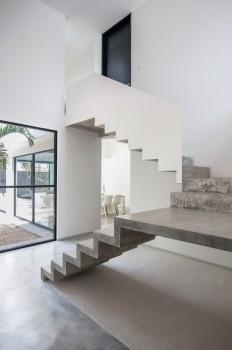 Garcias House / Warm Architects on Inspirationde