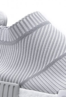 white_adidas_nmd_city_sock_04-388x566.jpg (JPEG Image, 388×566 pixels)