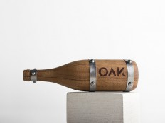 OAK wine. By Grantipo & La Despensa in Packaging