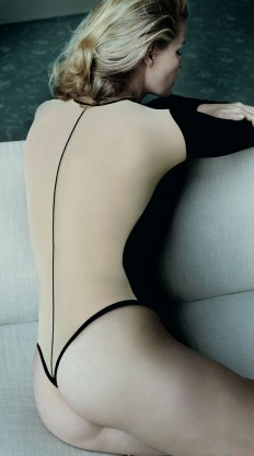 17 Best images about Mario Testino Fotografo on Pinterest | Kate upton, Mario and Angelina jolie