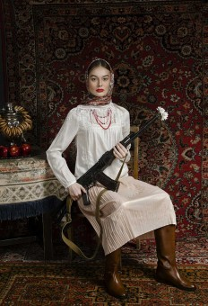 Feminine Stories: Conceptual Portrait Photography by Inna Mosina