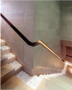 Staircase with Recessed Lighting on Inspirationde