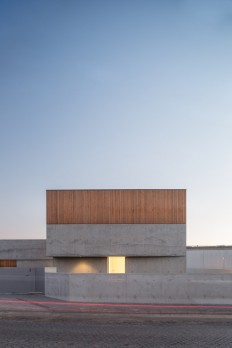 House in Avanca / nu.ma | unipessoal on Inspirationde