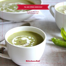 Green Pea And Spring Onion Soup With Garlic