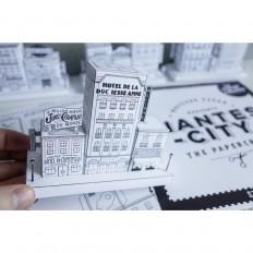"""Docteur Paper ® sur Twitter : """"Retrouvez les #papercrafts #NantesCity à @nantestourisme ! Des modèles en papier à monter soi-même pour recréer les rues de NantesCity ! https://t.co/oAsUkOtd1h"""""""