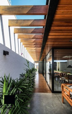 Modern Home Design by the Urbanist Lab on Inspirationde