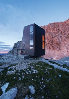 Bivouac shelter | Architect and Apinist Miha Kajzelj on Inspirationde