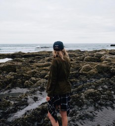 "Chelsea Lankford na Instagramie: ""One year ago at Higgins Beach, Maine. On the other coast today (in the same outfit, I just realized) getting in a couple days of camping…"""