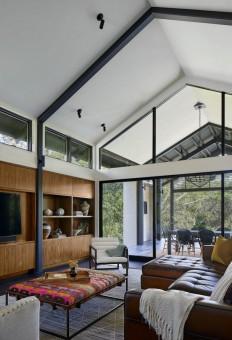 1980's Era Suburban Brick House Gets an Inspiring Upgrade on Inspirationde