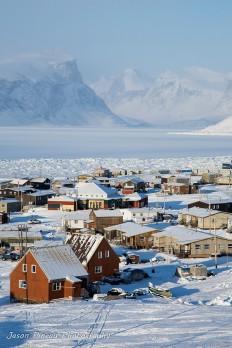 Pangnirtung, Nunavut | Canada (by Jason Pineau) on Inspirationde