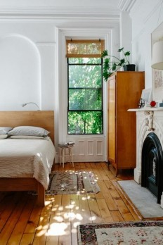 Vintage Style Bedroom mid century wood floors on Inspirationde