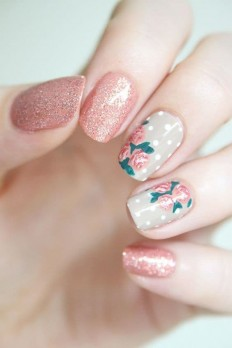 Classic Rose Flowers Nail Art Designs on Inspirationde