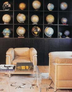Office with Cool Vintage Looking Globes, Le Corbusier LC2 Chairs on Inspirationde