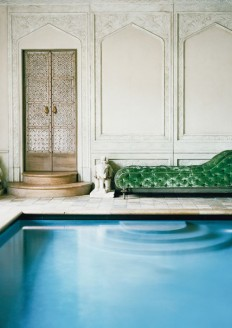 Ann Getty's indoor pool in her San Francisco Mansion on Inspirationde
