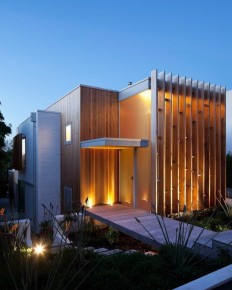 Brown Vujcich House. By Bossley Architects, Located in Herne Bay, New Zealand on Inspirationde