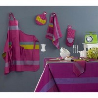 Striped Tablecloth for Stylish Dining Tables   Dining Room Designs