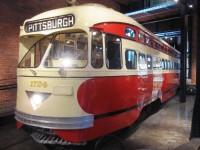 streetcar.jpg 2,592×1,944 pixels