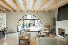 Houzz Tour: A Traditional-Modern Mix for a Texas Family