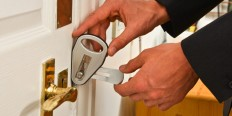The lightweight, easy to install, strong temporary door lock.