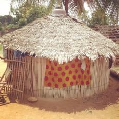 "seguner on Instagram: ""#africa #afrika #caseronde #cotedivoire #danene #18montagnes"" • Instagram"