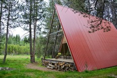 Cabin Rentals, A Door to the Wild | Red A Frame