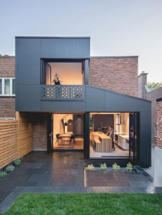 Black Box House in Montreal by Natalie Dionne Architecture on Inspirationde