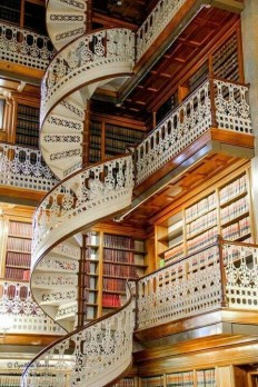 Library in Florence , Italy on Inspirationde