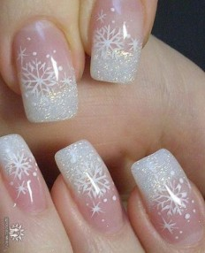 Simple Festive Christmas Acrylic Nail Designs for Winter on Inspirationde