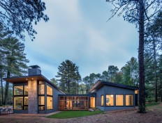 Gallery of Northern Lake Home / Strand Design - 6