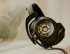 Sennheiser HD 820 - High-end Headphones for audiophiles