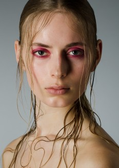 models editorial wet hair blonde pink eyes - Szukaj w Google