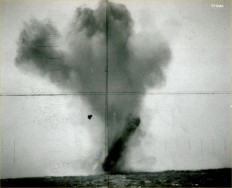 Clone-scan-photos-of-submarine-USS-trepang-7.jpg (2792×2266)