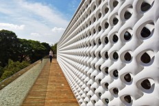 Erwin Hauer and Marcio Kogan Cobogo House « Inhabitat – Green Design, Innovation, Architecture, Green Building