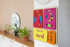 perpetual-wall-calendar-yoni-alter-2 - Design Milk