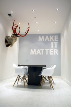 Cool Painting Ideas That Turn Walls And Ceilings Into A Statement on Inspirationde